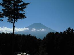 ホテルから眺める富士山